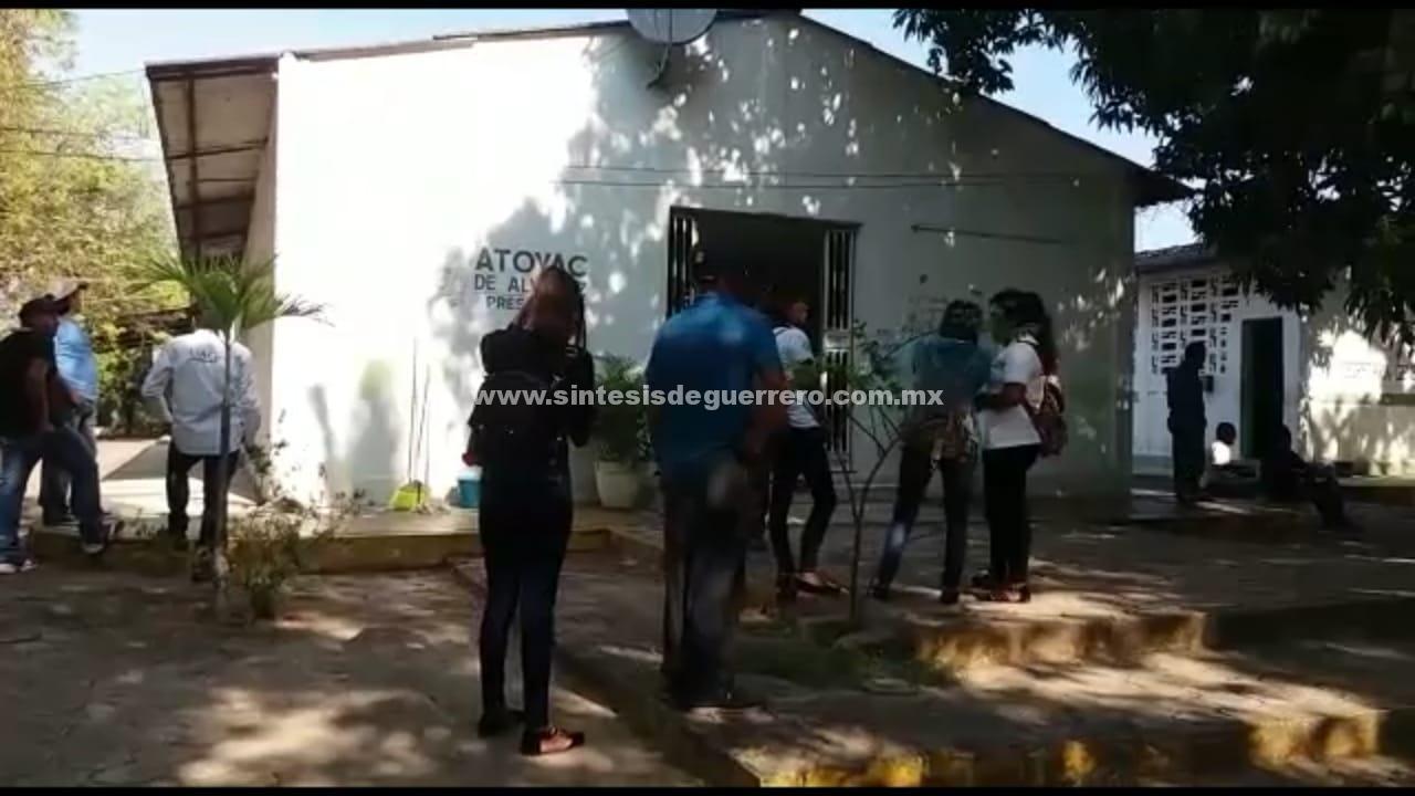 Incumple Ayuntamiento de Atoyac con pago de traslado de maestros de la UAGro a la Sierra