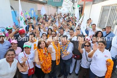 Apoyaremos desde el Senado de la República a Bety Vélez para que le haga frente a los problemas de agua potable y recolección de basura en Chilpancingo: Manuel Añorve