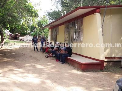 Toman maestros de educación física oficinas en Atoyac