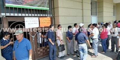 Toman trabajadores Ayuntamiento de Chilpancingo por falta de pagos