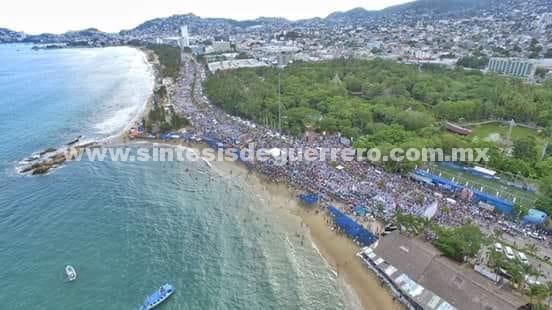(Video) Cierra Taja con más de 50 mil en Acapulco
