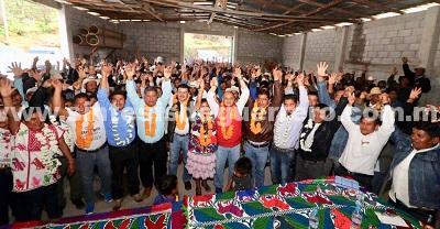 Unidades de Atención Medica bien equipadas, proyectos productivos, fertilizante gratuito y créditos a la palabra de la mujer indígena, ofrece Añorve, en La Montaña