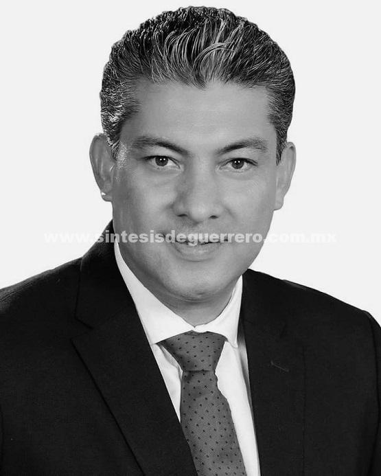 Muere ex alcalde de Zihuatanejo al volcar su camioneta en la Autopista del Sol