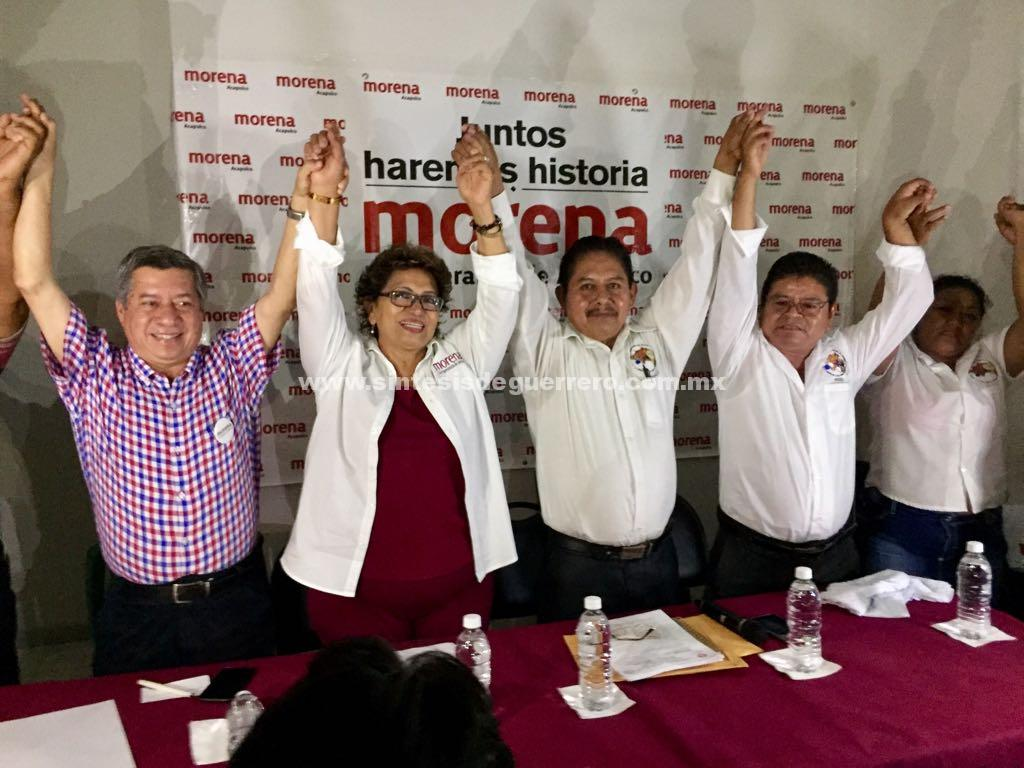 Se suman indígenas radicados en Acapulco a Adela Román