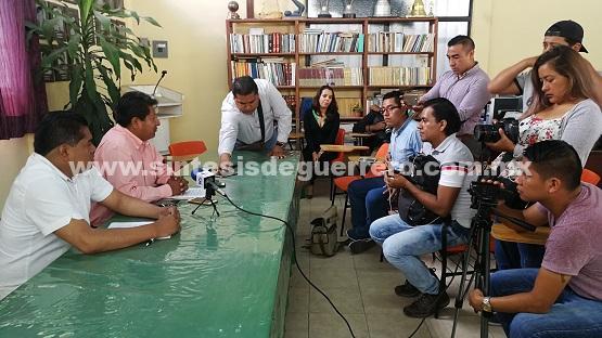 PRD, MC y PAN piden al IEPC retirar la candidatura a Héctor Vicario por estar ejerciendo recursos públicos y violar la Ley
