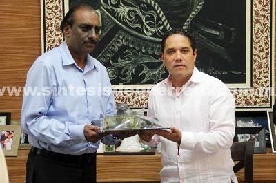 "Recibe Evodio al director del Centro Cultural de la India ""Gurudev Tagore"", Mohd Raghib Quereshi"