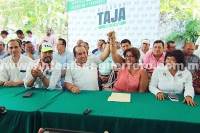Ex directora de panteones de Evodio se suma a Taja