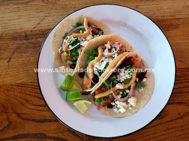 Gana taco hecho con ingredientes mexicanos en concurso de París