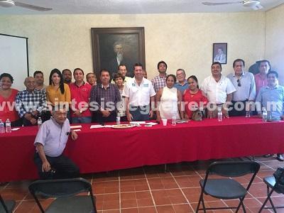 Recibe Figueroa Smutny apoyo de trabajadores de CAPAMA