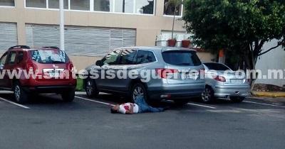 Asesinan a un policía estatal y hieren a un federal en Acapulco