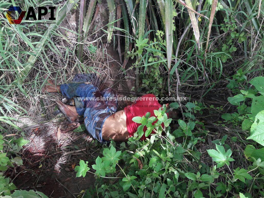Encuentran a un joven asesinado con arma blanca, en el Río Ajolotero de Chilapa