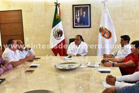 Instruye Héctor Astudillo redoblar esfuerzos para la modernización y limpieza de la zona tradicional de Acapulco