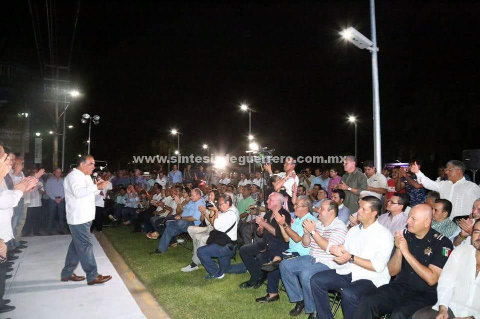 Invierte el gobierno de Astudillo 600 mdp en obras de iluminación y vialidades en Acapulco