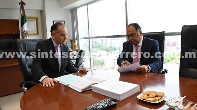 Se reúne Astudillo con comisionado del CEVN, Jaime Rochín para evaluar atención a víctimas