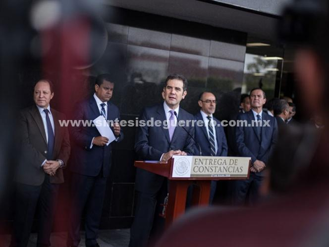 Consejeros del INE, a la espera de plan de austeridad para bajarse el sueldo