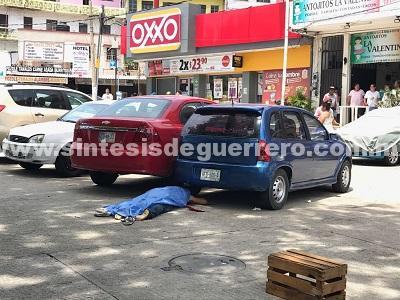Asesinan en Acapulco a acomodador de autos