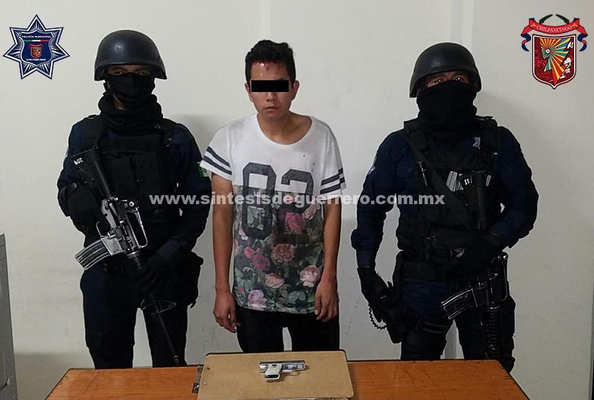 Detiene Policía Municipal a dos presuntos asaltantes en Chilpancingo