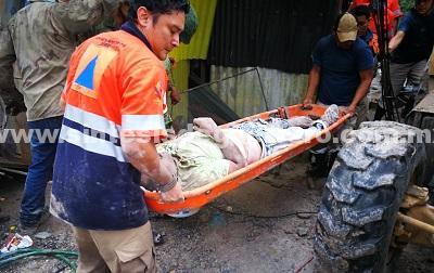 Un muerto, un herido, inundaciones y vehículos varados, por tromba en Chilpancingo