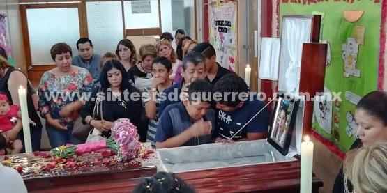 Cambian el blanco por el luto, para despedir a Enfermera asesinada en el Centro de Chilpancingo