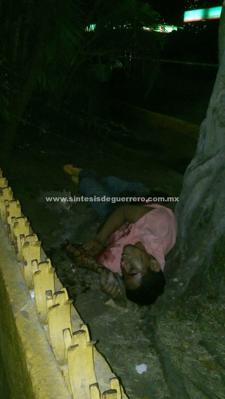 Dos ejecutados y una urvan baleada, en Acapulco