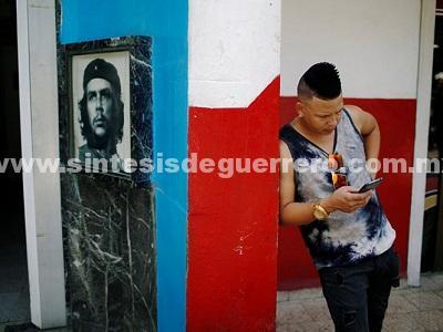 Cuba abre por primera vez el acceso a internet desde celulares