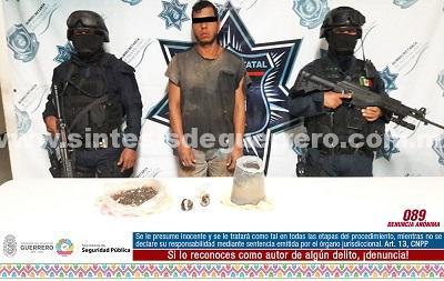 Aseguran Policías Estatales en Petatlán a masculino en posesión de probable goma de opio