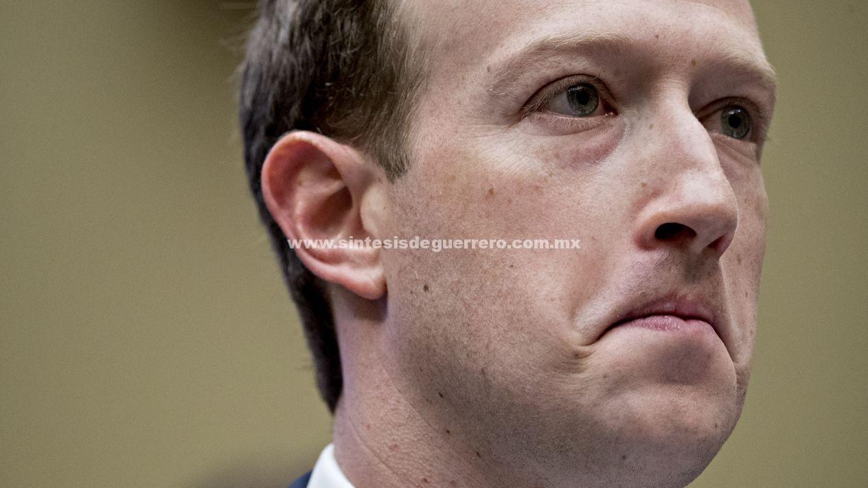 ¿Es momento de que Facebook le quite el control a Zuckerberg?
