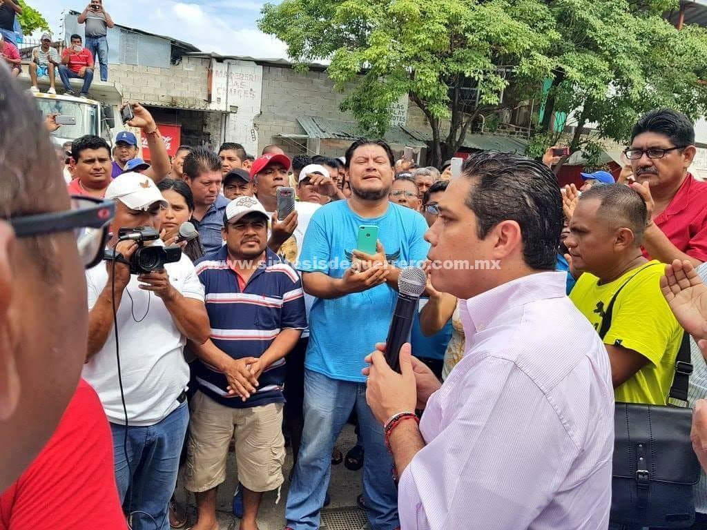 (Video) Interviene Evodio y logra pago de quincena a trabajadores de COAGUA