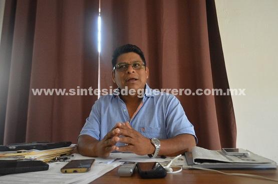 Denuncia Delegado de Servicios Educativos campaña de desprestigio en su contra por parte del SNTE de la Montaña Baja.