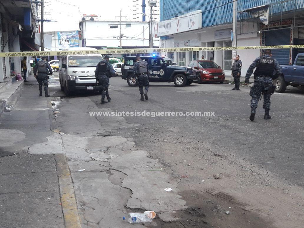 Disparan contra urvan de pasajeros en Acapulco