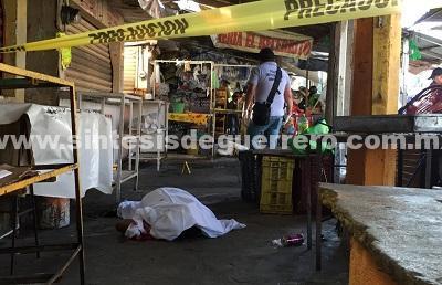 Asesinan a familia de vendedores en el mercado central de Acapulco