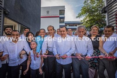 Inaugura rector de la UAGro las nuevas instalaciones de la Coordinación General de la Zona Sur