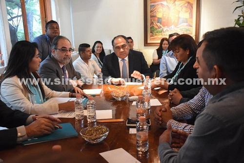 En el encuentro, el gobernador diálogo con 20 regidores electos de municipios de Guerrero y con el líder nacional del Panal, Luis Castro