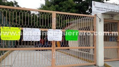 Maestros de educación física se movilizan también en Costa Grande