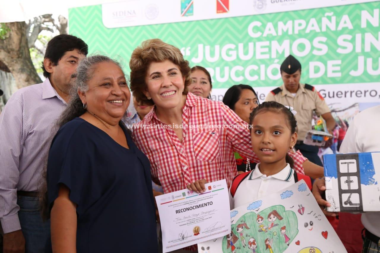"""Mercedes Calvo presidió la clausura la Campaña Nacional """"Juguemos sin Violencia""""."""