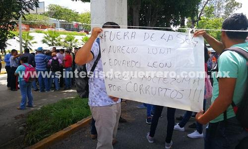 Con bloqueo y toma de oficinas, CETEG pide la destitución de tres funcionarios de la SEG