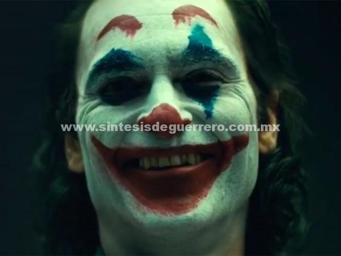 Joaquin Phoenix se muestra como el Joker