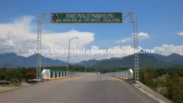 Claman ayuda familias de Cañada de Otatlán, San Miguel Totolapan, por asedio del narco