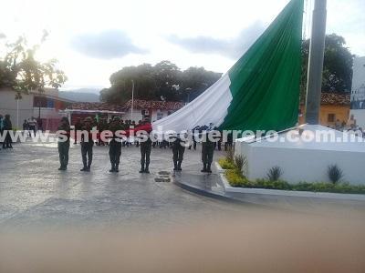 Se llevan a cabo los festejos de las fiestas patrias en Ayutla