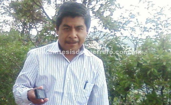 """Esposa de alcalde electo de Cochoapa, teme que cuando la Fiscalía lo encuentre """"sea demasiado tarde"""""""