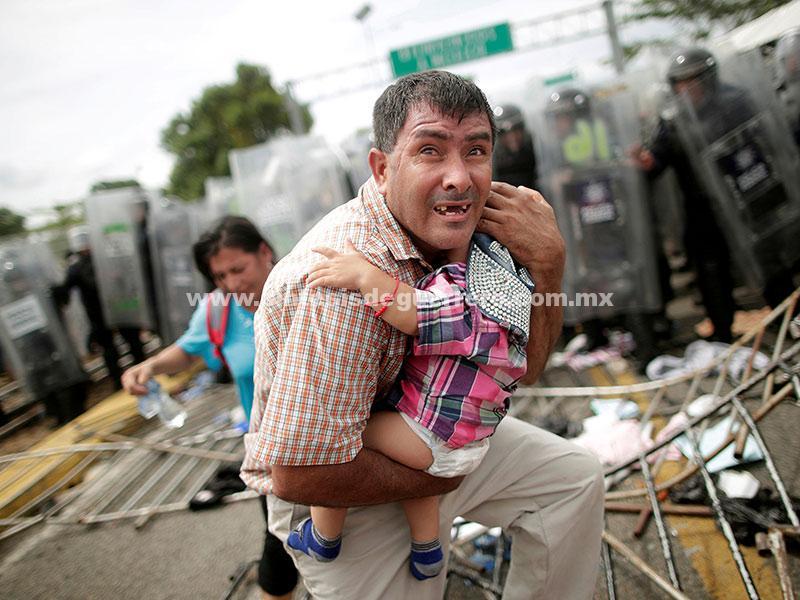 Resguardan frontera; garantizan derechos; la caravana hondureña llegó al país