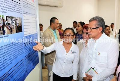 Inaugura Carlos de la Peña Pintos el Quinto Foro Regional de Investigación en Salud en Acapulco