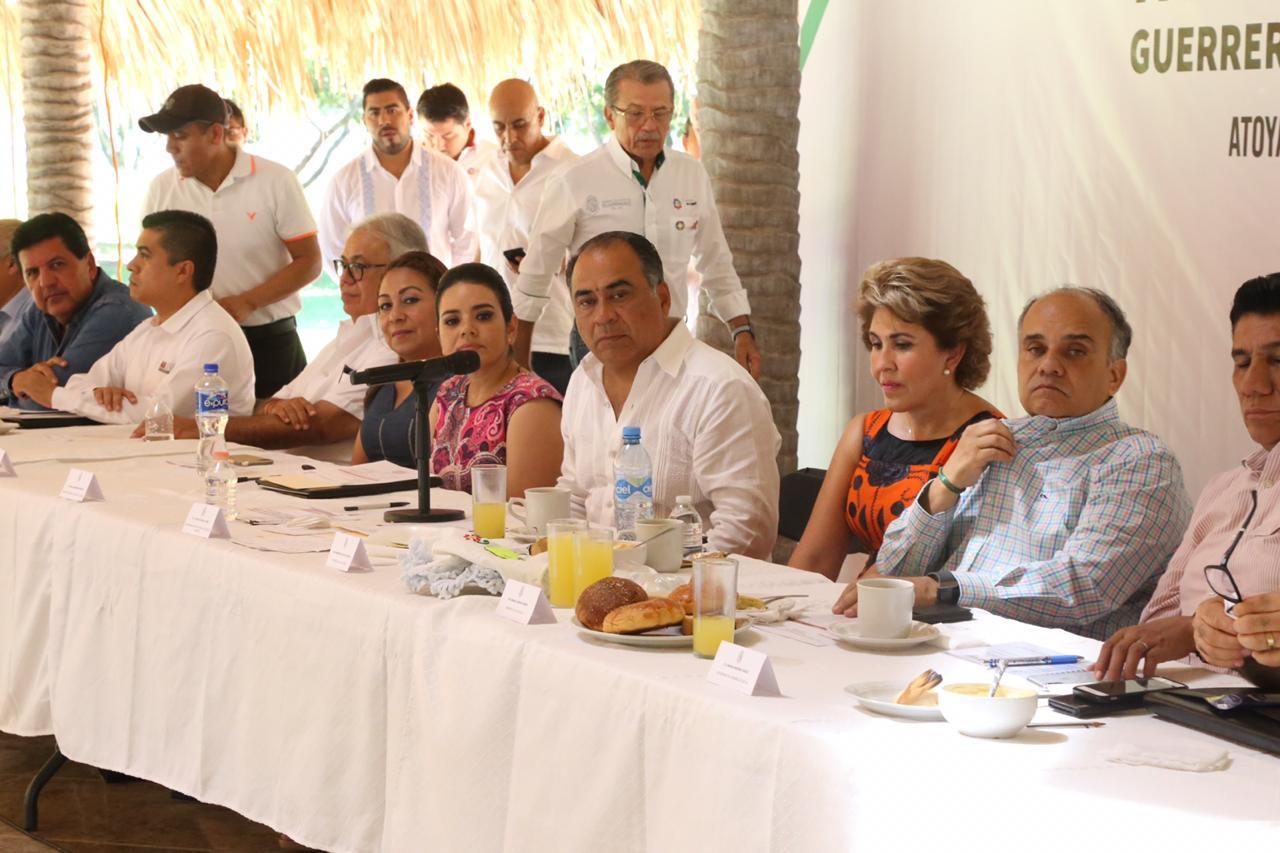 Se reúne Héctor Astudillo con alcaldes de la Costa Grande para establecer agenda de trabajo