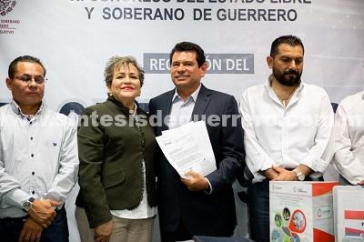 Entrega Tulio Samuel Pérez Calvo paquete Fiscal 2019 al Congreso
