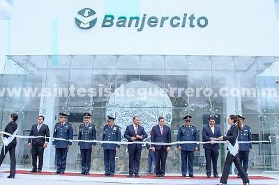 Inaugura Héctor Astudillo y el general Terán Valle sucursal de Banjercito en Chilapancingo