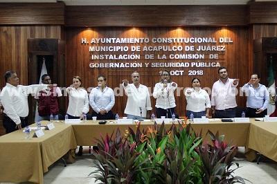 (Video) Instalan ediles comisiones y realizan toma de protesta