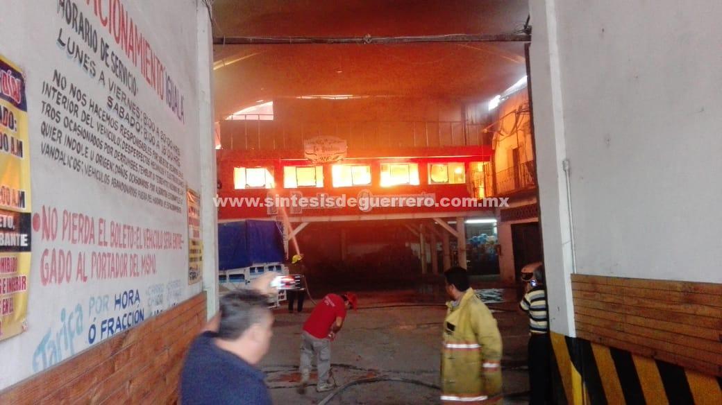 """Se incendia bar """"La Bambina"""", en Iguala"""