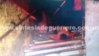 Hallan narco fosacon seis cuerpos, en Acapulco