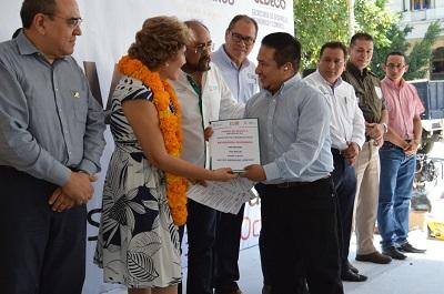 Inauguran Mercedes Calvo y Rangel Miravete, la 3a feria de empleo Chilpancingo 2018