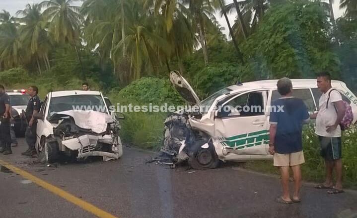 Choque en carretera federal Aca-Zihua, deja un muerto y un herido
